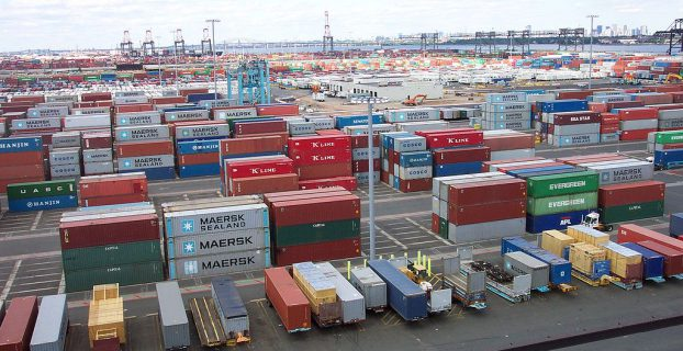1024px-line3174_-_shipping_containers_at_the_terminal_at_port_elizabeth_new_jersey_-_noaa